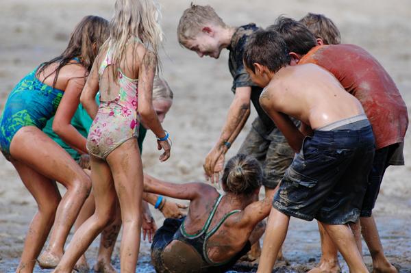 Kolonie i obozy młodzieżowe