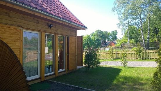 Domki nad Jeziorem Złotnickim we wsi Karłowice