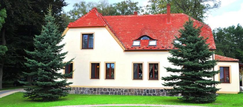 Dworek Bogdanka – pokoje gościnne w malowniczej okolicy