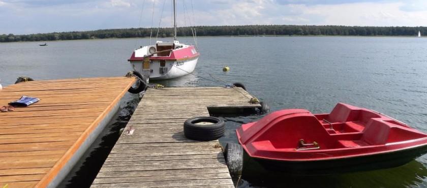 Agroturystyka nad jeziorem powidzkim z bezpośrednim dostępem do wody i czarter jachtu