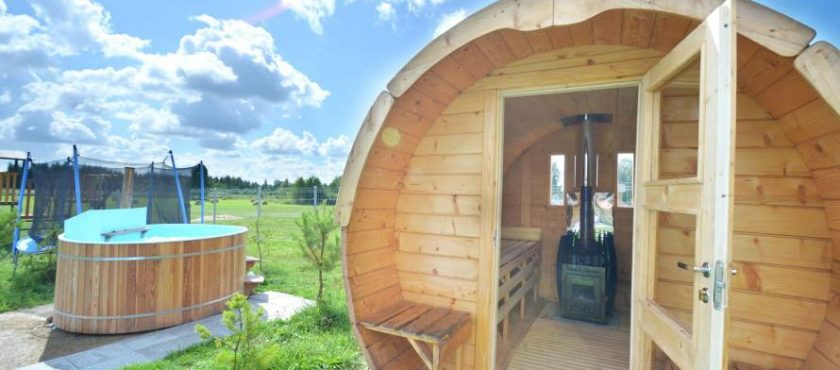 Jesienne wakacje na Mazurach – dom z sauną, ruską banią, jakuzzi i kominkiem