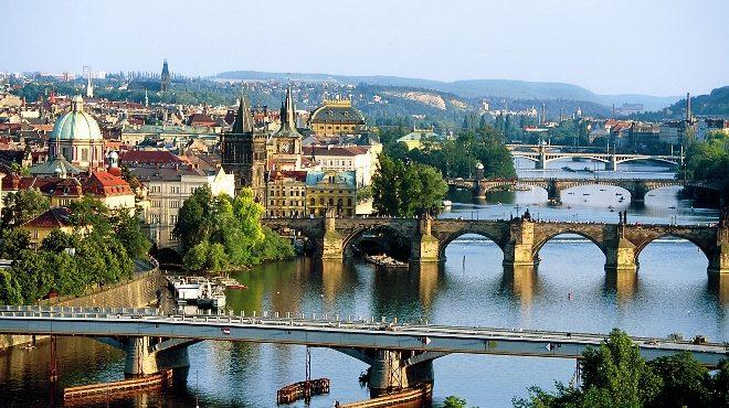 Wycieczki szkolne oferuje Biuro Podróży Geotour Chorzów – tel 32 3460306, 500556600