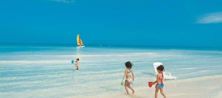 Kuba jak wulkan gorąca! Egzotyczne wakacje w rytmie salsy!