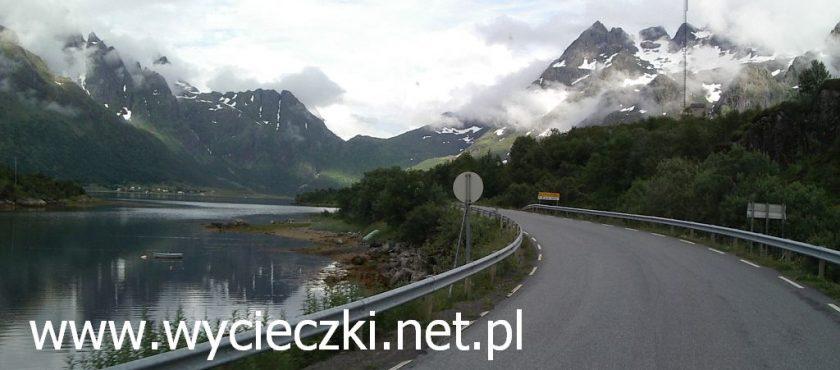 Wycieczki objazdowe oferuje Geotour